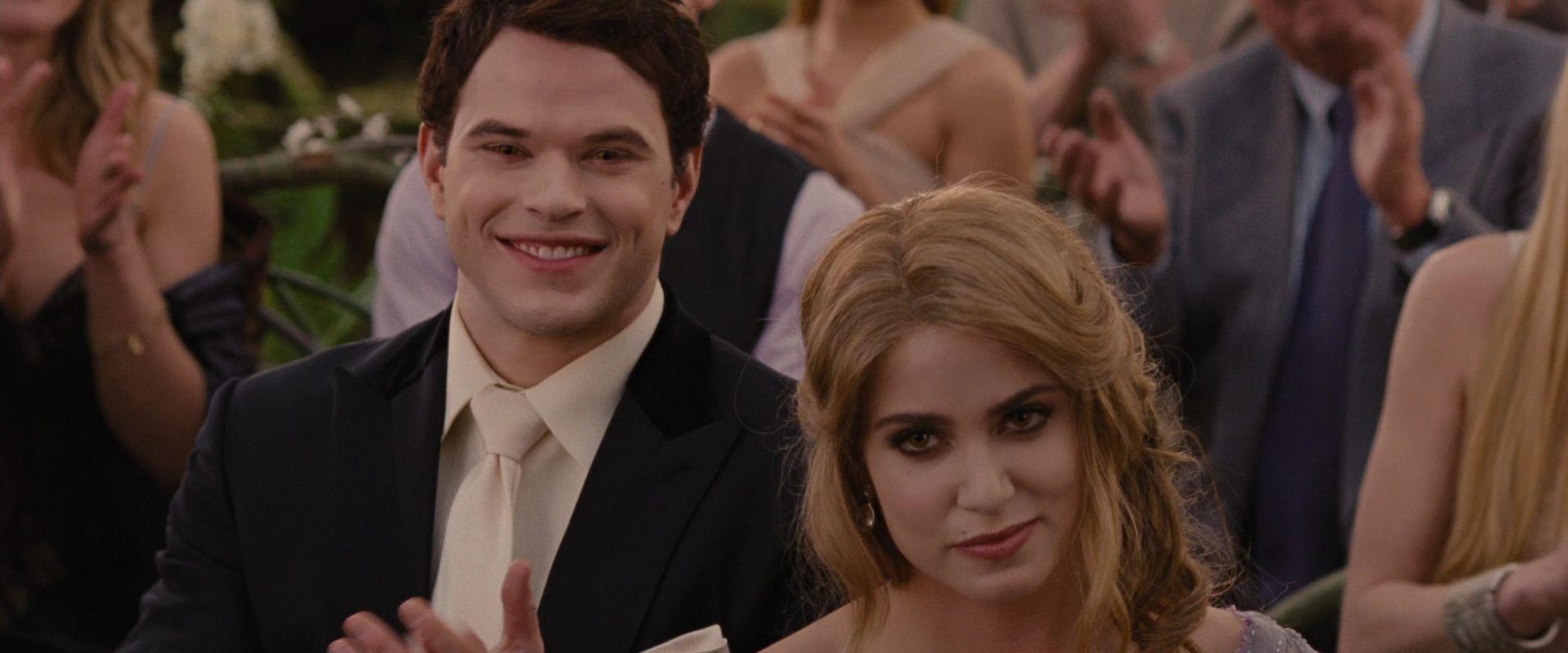 Emmett Cullen And Rosalie Hale Rosalie And Emmett Cullen