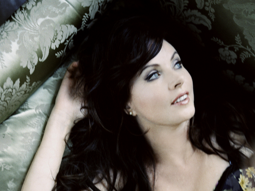 sarah brightman fondo de pantalla probably with a hot tub called Sarah Brightman