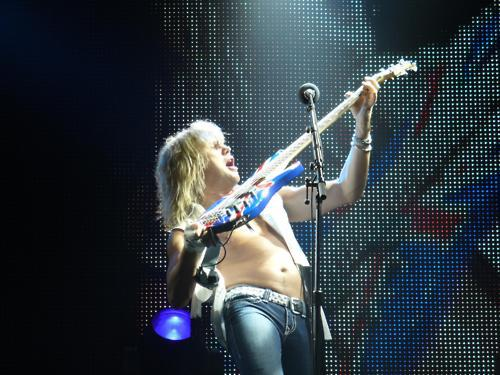 Rick Savage wallpaper with a concert entitled Sav