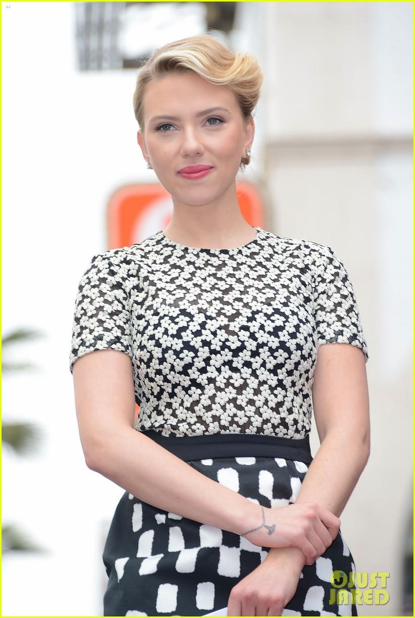 Scarlett Johansson: Star on Hollywood Walk of Fame!