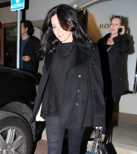Shannen - Out for abendessen at Nobu in Malibu, November 05, 2011