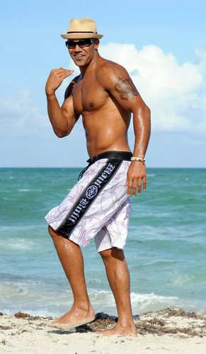 Shemar Moore Hits the Beach in Miami