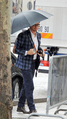 Simon Baker in Paris, May 2012 - the-mentalist Photo