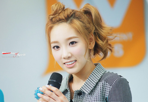Kim Taeyeon images Taeyeon @ Mnet Wide News Entertaiment Open Studio HD wallpaper and background photos