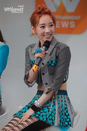Taeyeon @ Mnet Wide News Entertaiment Open Studio