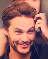 Taylor Kitsch in New 음악 Live