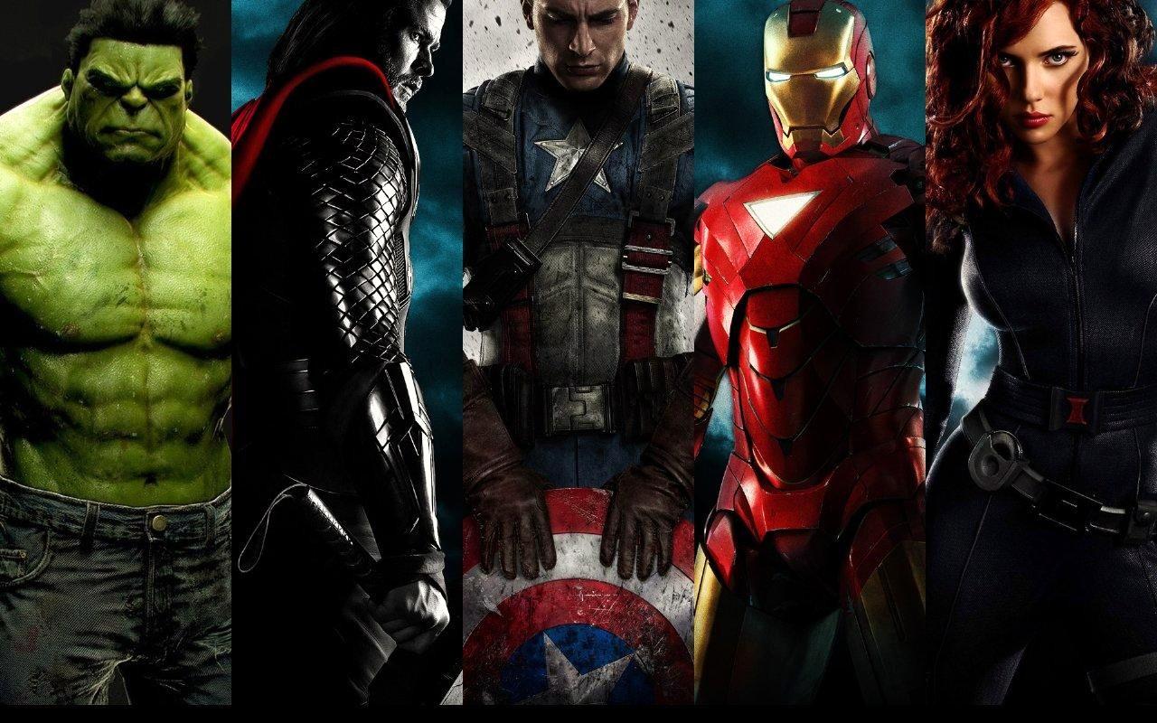 アベンジャーズのヒーロー並んだ壁紙