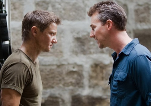 Jeremy Renner achtergrond entitled The Bourne Legacy