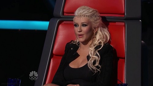 Christina Aguilera wallpaper entitled The Voice Season II Episode 19 (1 May 2012)