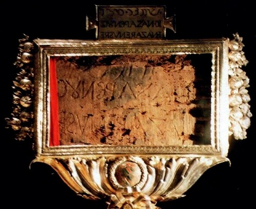 "The Wooden Placard on the menyeberang, salib Of Christ, ""Jesus Of Nazareth The King Of The Jews"""