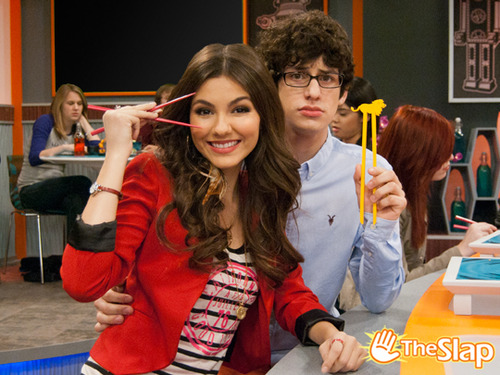 Tori and robbie - victorious Photo