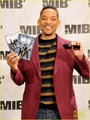 Will Smith: New 'Men in Black 3' Clip & Poster! - will-smith photo