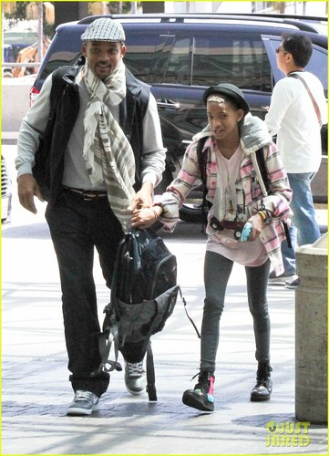 Willow Smith Catches a Flight at LAX with Mom & Dad