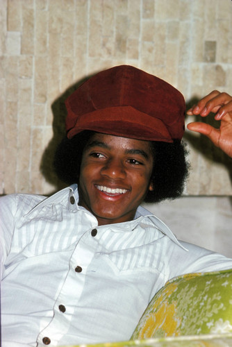 YOU MAKE ME TINGLE ALL OVER BABY - michael-jackson Photo