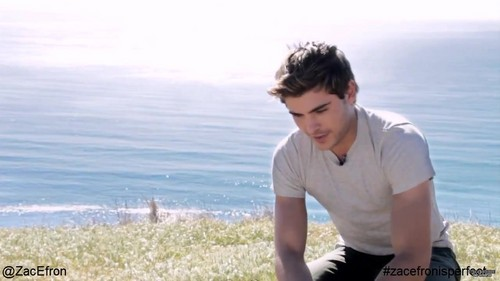 ZAC EFRON'S PHOTOSHOOT FOR MEN'S HEALTH - zac-efron Photo