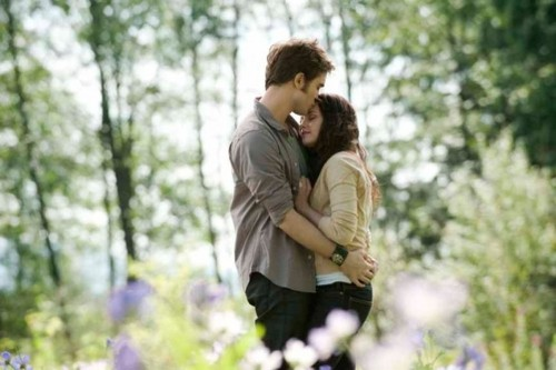 Twilight Series wallpaper entitled edward and bella<3