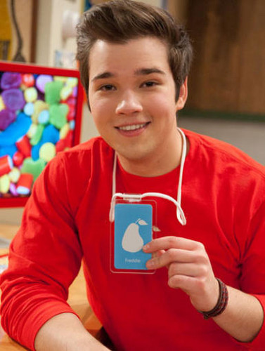 iCarly wallpaper titled iPear Store