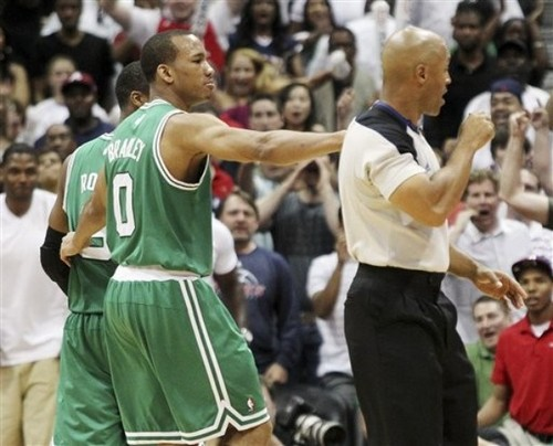 loss in game 1 . rejection of Rondo  - rajon-rondo Photo