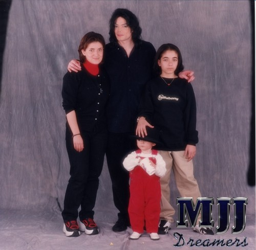 omers mom pia, mj, prince and omer