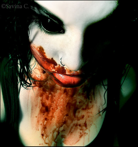 vampire girl: ain't this a cool pic? :)