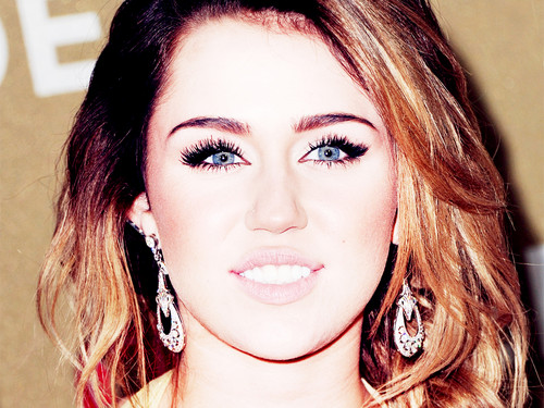 ↕►Miley Wallpapers by DaVe!!!◄↕