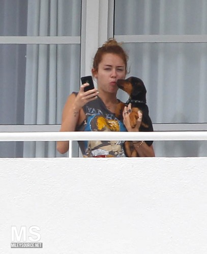 17/05 On The Balcony Of Her Hotel In Miami, Florida