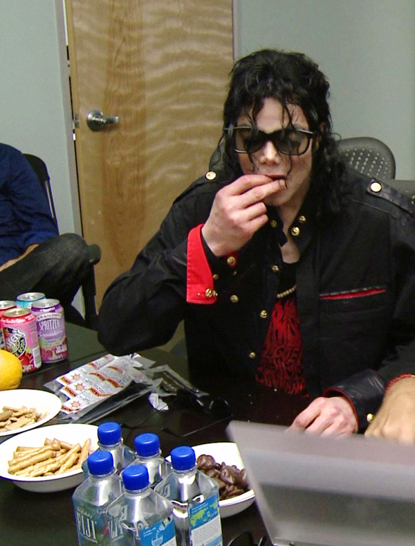 2009 michael jackson michael jackson photo 30816916 for Michael uhlemann cuisine m