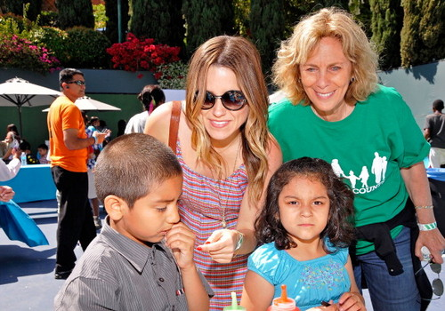 4th Annual Foster Mother's Day Celebration - sophia-bush Photo
