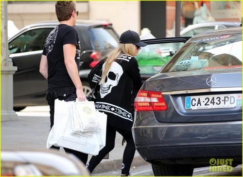 Avril Lavigne & Chad Kroeger: Parisian Pair