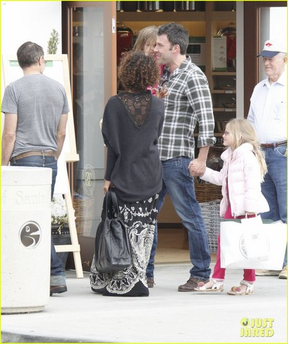 Ben Affleck & Halle Berry: Santa Monica Meetup!