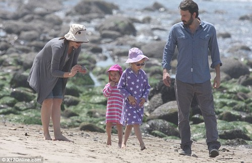 Ben,Jen and their 3 kids at the pantai