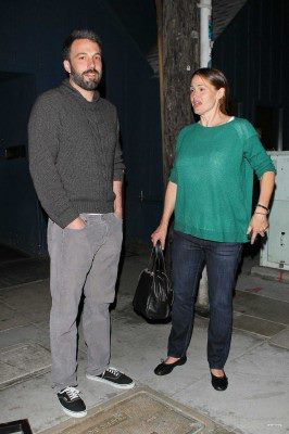 Ben and Jen leaving a restaurant