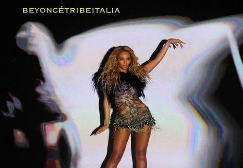 Beyoncé Dancer