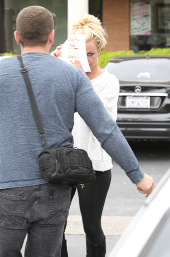 Britney - Leaving The Commons In Calabasas - May 02, 2012
