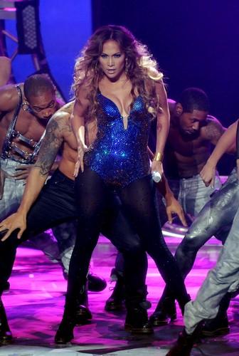 Dance Again Live On American Idol [10 May 2012]