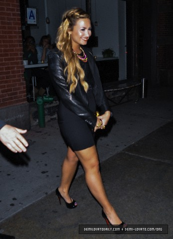 Demi - Leaves ABC রান্নাঘর in New York City - May 14, 2012