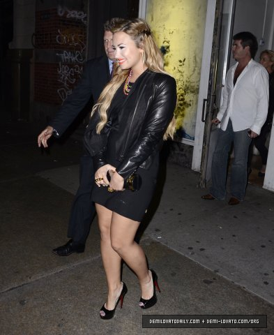 Demi - Leaves ABC jikoni in New York City - May 14, 2012