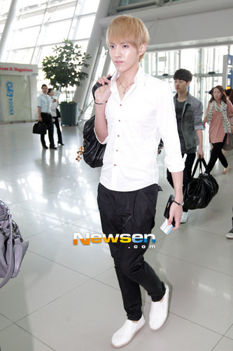 EXO-M & EXO-K at Incheon International Airport - exo-m Photo