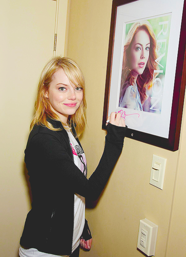 Emma Stone Fan Art <3
