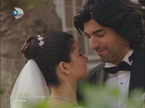 Fatmagül'ün Suçu Ne hình nền called FG & K wedding pics