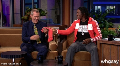 Hugh Laurie and Robert Griffin III The Tonight onyesha 17.05.2012