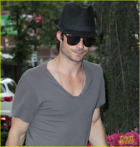 Ian in NYC - ian-somerhalder Photo
