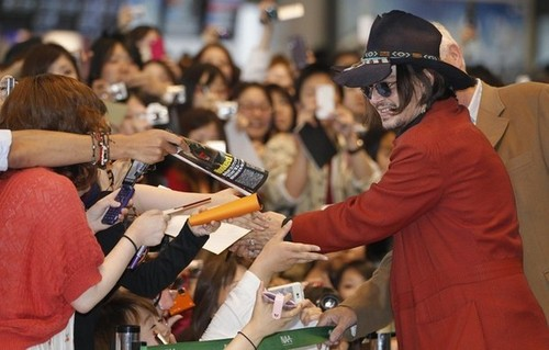 JD in Tokyo Airport (11/05/2012)