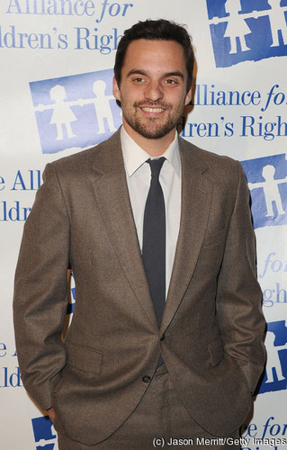 Jake M. Johnson attends the Alliance For Children's Rights annual jantar at The Beverly Hilton Hotel