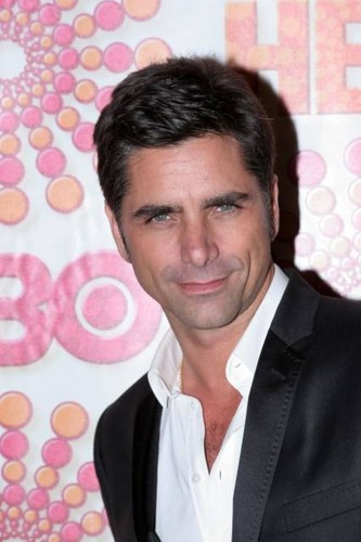John Stamos Обои with a portrait entitled John Stamos