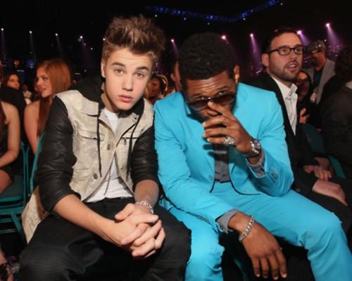 Justin Bieber Billboard Музыка Awards white carpet 2012