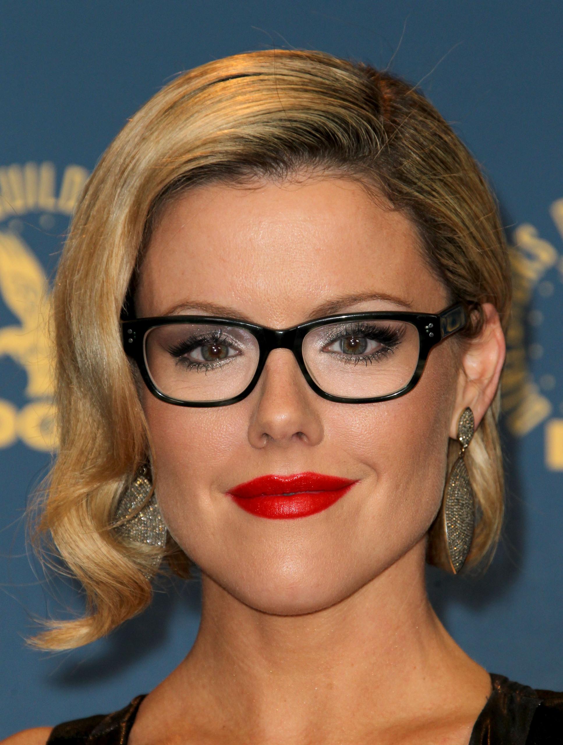 Eyeglass Frame For Chubby Face : Kathleen Robertson - Kathleen Robertson Photo (30828498 ...
