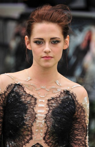 Kristen Stewart Snow White and the Huntsman Premiere 2012