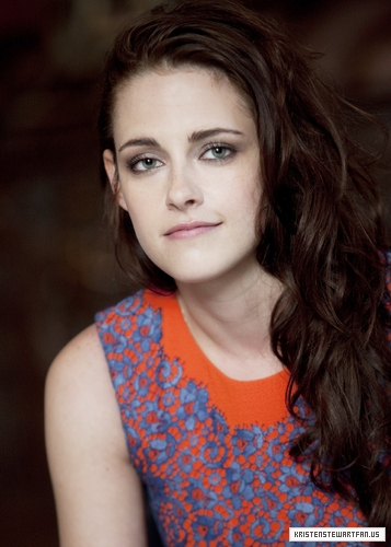Kristen at the SWATH press conference in London, England. {13/05/12}