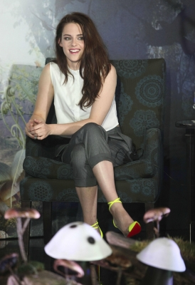 """Kristen at the """"Snow White and the Huntsman"""" photocall in Mexico - 19th May 2012."""